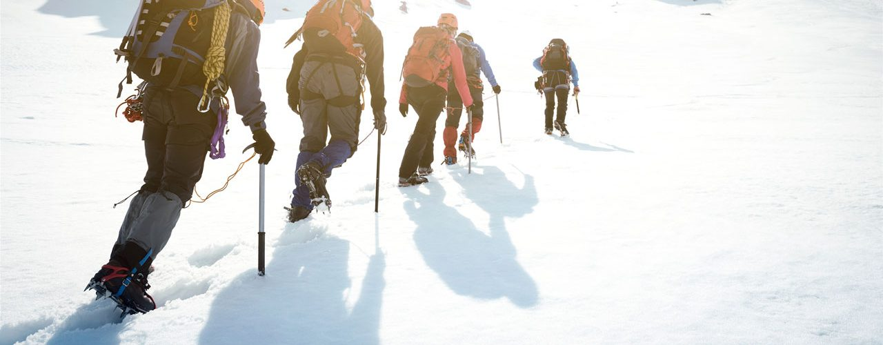 Menschen_Bergsteigen_Fuehrung